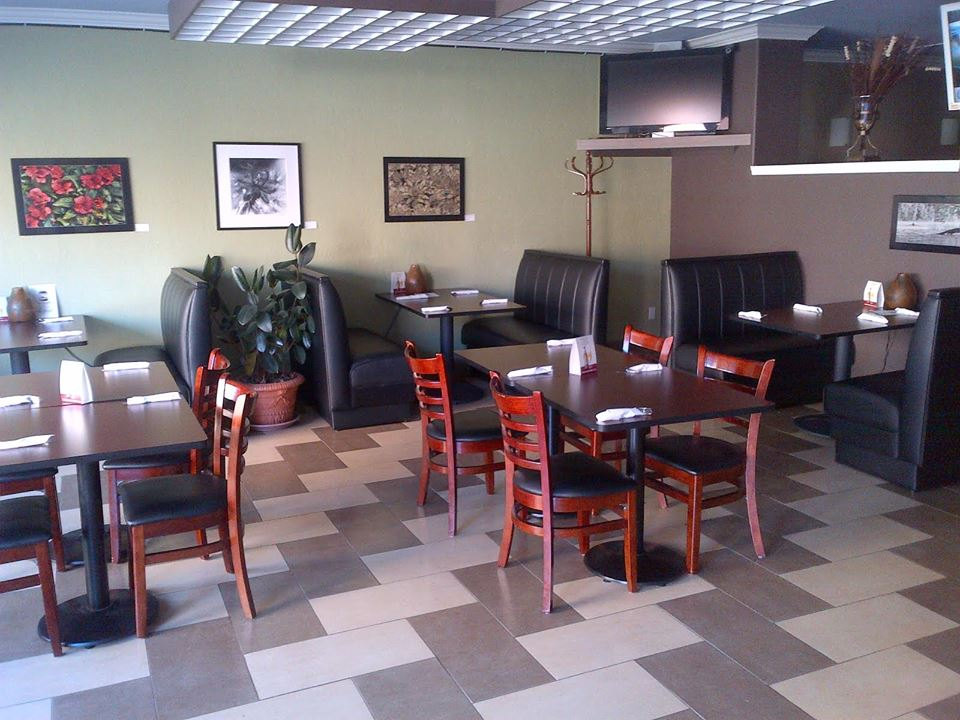 restaurant furniture canada helps nino panino pizzeria
