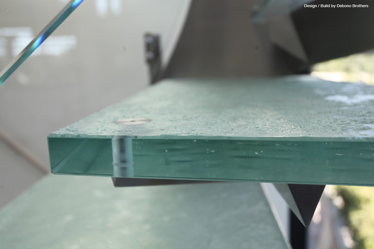 Thinkglass Offers New Challenges To The Glass Treads Industry