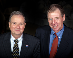 Greg Farmer, CEO Colonial Farm Credit (l) and Hugh Jones, Chairman of the Board of Colonial Farm Credit (r)
