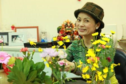 Bestselling author Hellen Chen advising singles and couples not to delay marriage.