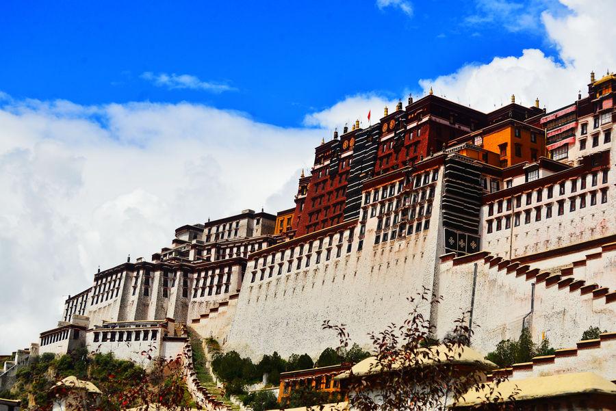 Shangri La Hotel Lhasa Boosts Luxury Travel In Tibet