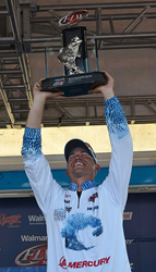 Ashley Wins Wire-to-Wire at Walmart FLW Tour Event on Lake Hartwell...