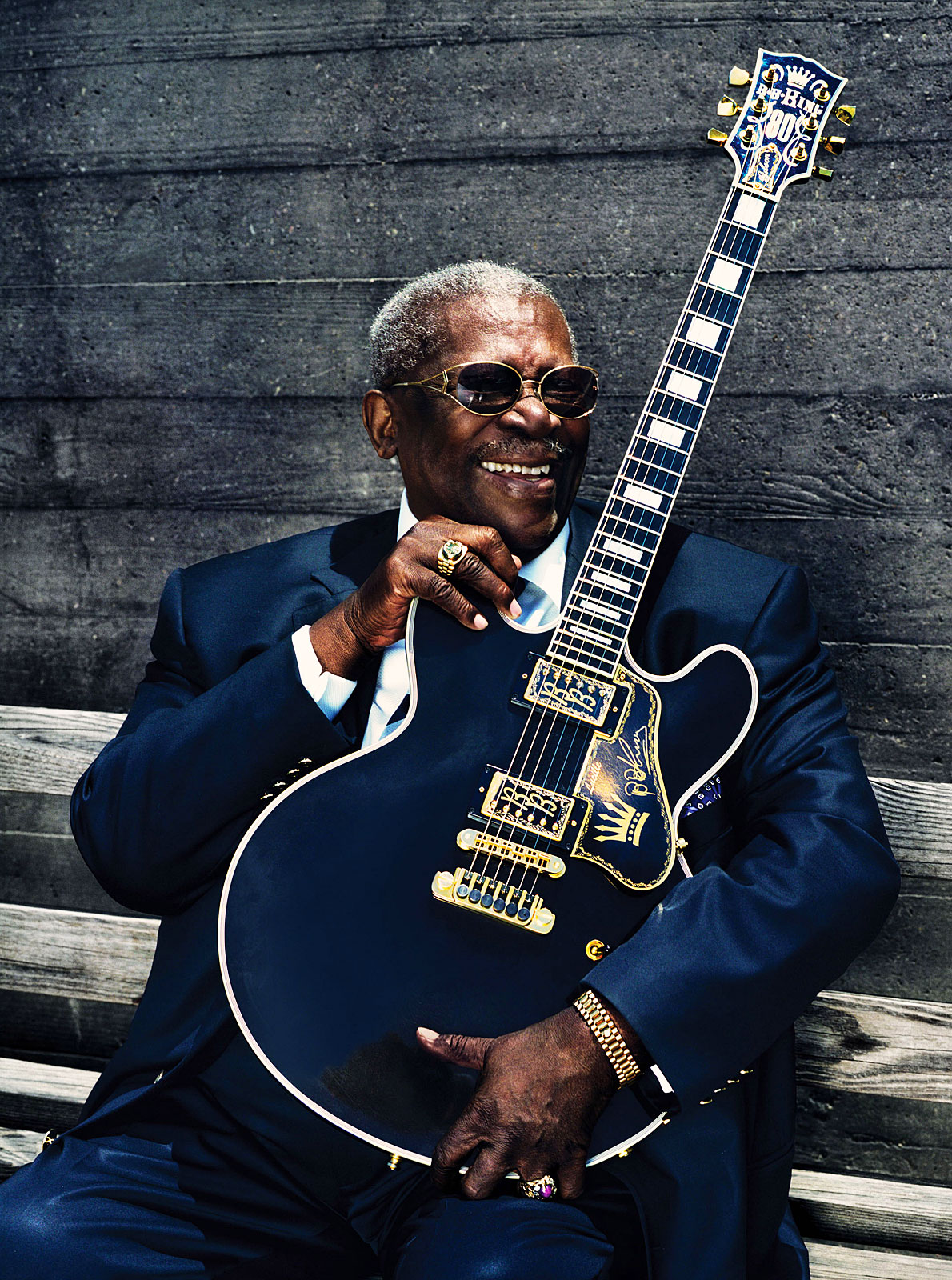 http://www.nytimes.com/2015/05/16/arts/music/b-b-king-blues-singer-dies-at-89.html