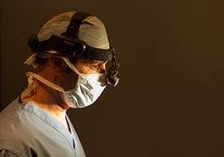 How to Choose The Right Facial Plastic & Reconstructive Surgeon in Orange County