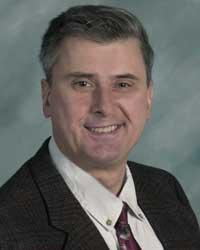Dr. Reid Nelson is a periodontist in Lousiville, KY