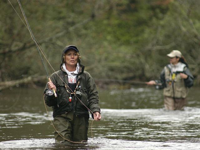Steelhead lodge to host women s fly fishing weekend for Women fly fishing