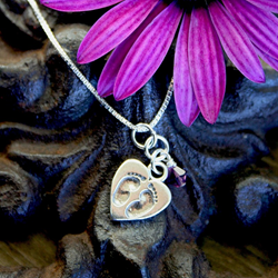 LaBelleDame.com creates custom memorial jewelry for moms who have lost babies to miscarriage, stillbirth and infant loss.