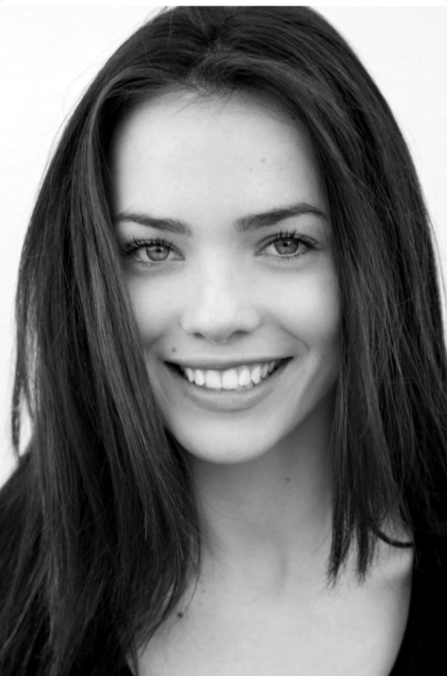 Luna Rioumina & Jemma Dallender Join Jesper Christensen in ...