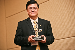 Dr. Edward Lin named Cancer Researcher of the Year by the nonprofit Gateway for Cancer Research