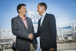 Managing Director, ECOHZ, Tom Lindberg (to the left) and Dag Arne Kristensen, Executive Vice President CSR & Corporate identity, DNB (to the right)