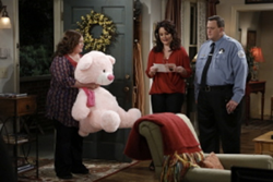 Mike and Molly, Giant Pink Teddy Bear on CBS Mike and Molly, Giant Teddy, Lulu Shags, Melissa McCarthy