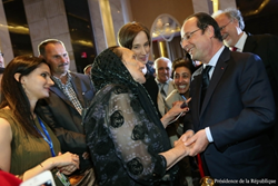 Yvonne Botto meets French President Hollande
