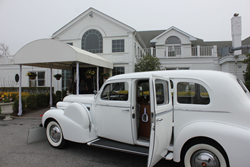 Bellport County Club, Host To Party 105.1's Hitched On The House
