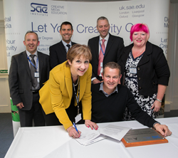 official signing of the creative media progression agreement between City of Oxford College and SAE Institute Oxford.