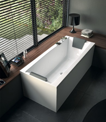 Eden Glass White 71 Inch Corner Bathtub With Two Panels PP000A0-2
