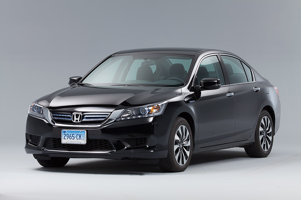 Honda Accord Hybrid Delivers Class Leading Fuel Economy