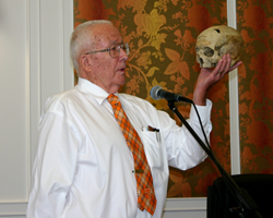Forensic Anthropologist Dr. Bill Bass presenting at Killer Nashville
