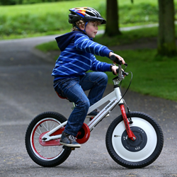 Kids can ride a bicycle in one afternoon without training wheels with Jyrobike Auto Balance Bicycle, the most important innovation in bike riding of our time.