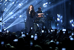 Lorde Announces 2014 Fall Tour Dates; Lorde Tickets available Now at SuperStarTickets