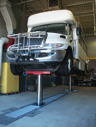 Recent DIAMOND LIFT installation showcases safety of high-load-bearing articulated aluminum covers