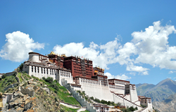 Potala Palace with www.exploretibet.com