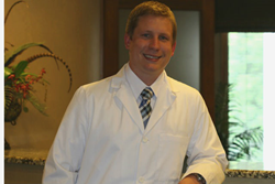 Dr. Brad Frederick, a native of Jeffersonville, Ind., this month joined the dental practice of acclaimed cosmetic dental surgery expert Dr. Ronald Receiver.