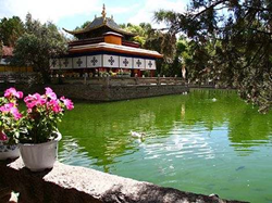 Explore Tibet Offers Trips to Norbulingka