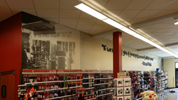 Pet Food Express Retail Interior Wall by AGRetail