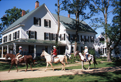 Bed and Breakfast with Stables  in North Conway surrounded by the White Mountains of NH