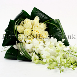 Joy - Blue - flower arrangements delivery UK by top London florists Flowers24hours.co.uk Flowers as gifts and fower for delivery UK. Gifts online and flowers to deliver online