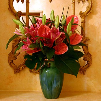 Gl Vase With Lilies on pot lilies, christmas lilies, wood lilies, spring lilies, cross lilies, glass lilies, blue lilies,