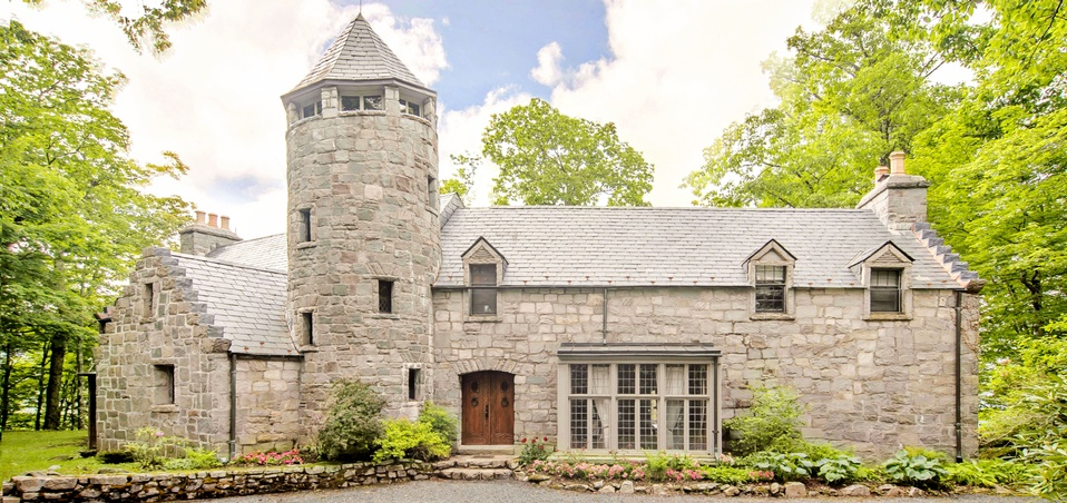 Extraordinary nc mountain castle available in next for Banner elk home builders