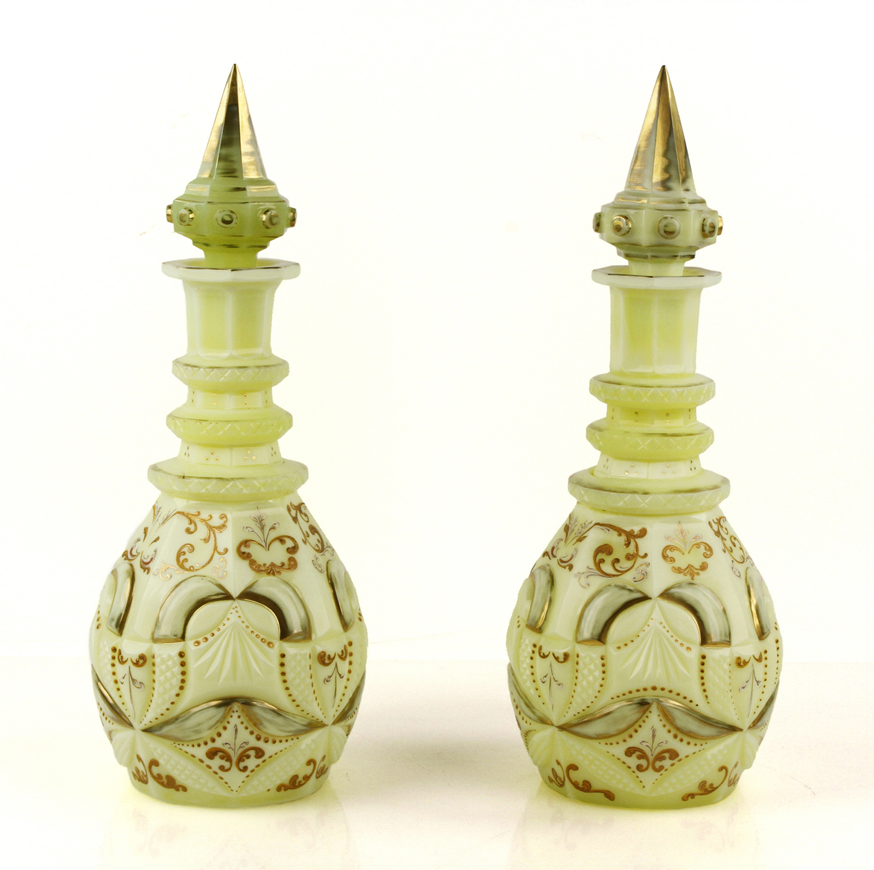 Chinese Antiques And Bohemian Glass Bring Top Prices At