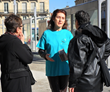 Scientologist from Bordeaux engages people in a discussion on the importance of drug education.
