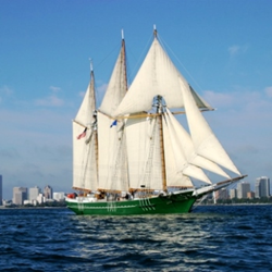 S/V Denis Sullivan sails Lake Michigan from Milwaukee. Image courtesy Discovery World, Milwaukee, WI.