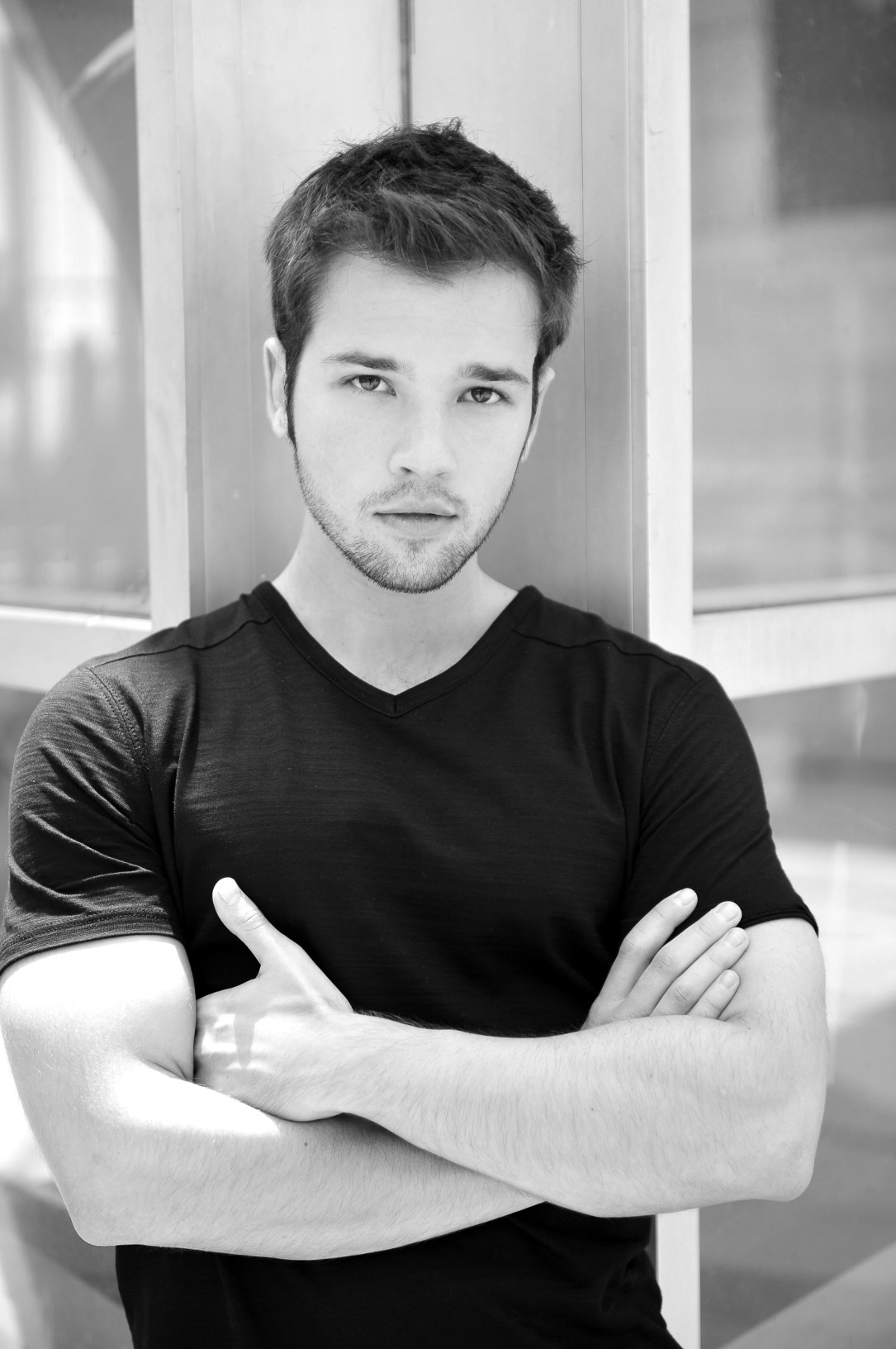 icarly star nathan kress to walk red carpet with local. Black Bedroom Furniture Sets. Home Design Ideas
