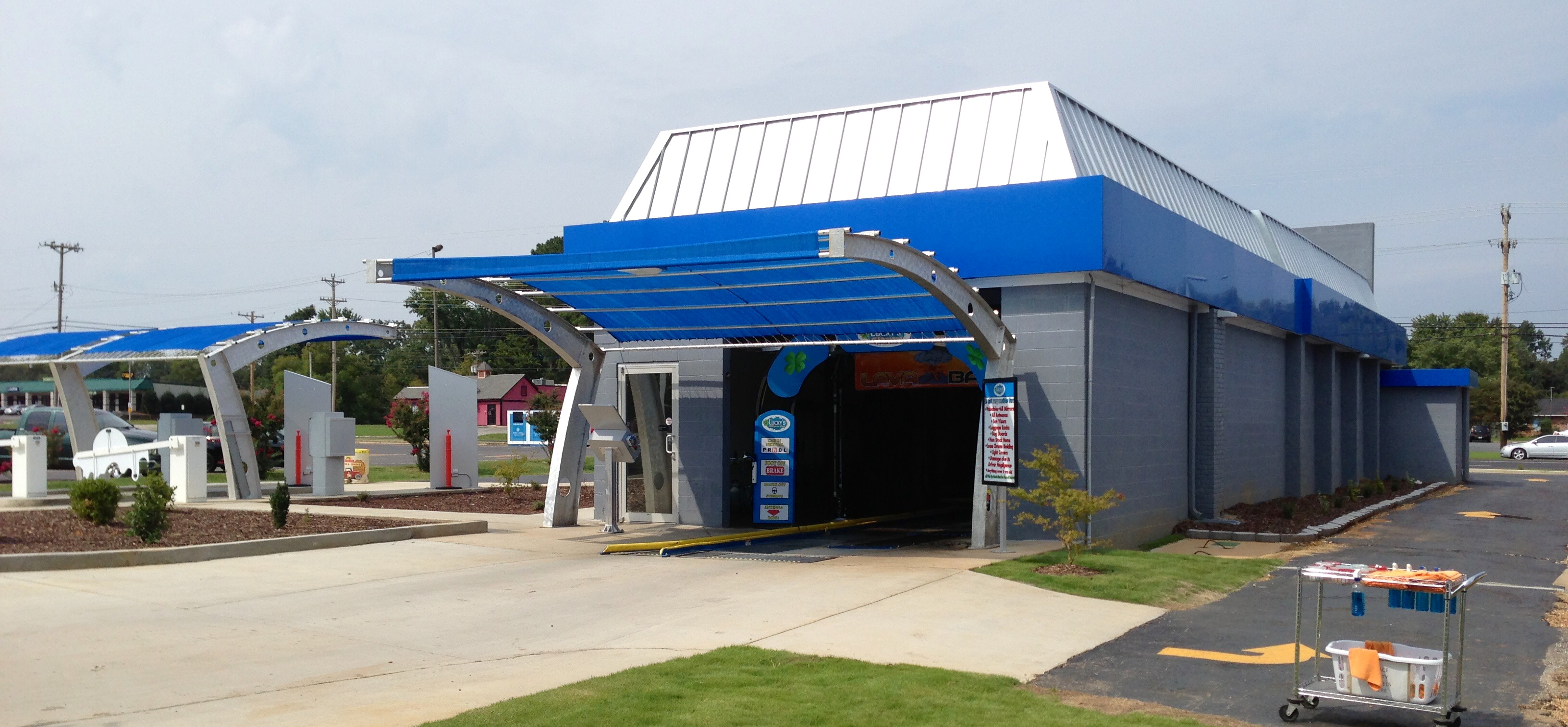 Car Wash Vacuum Cleaner >> Luckys Car Wash, an Athens, Alabama-Based Express Tunnel ...