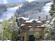 Just steps from the Lionshead Gondola and Vail restaurants and shopping, Antlers at Vail hotel makes a perfect home base for winter family getaways.