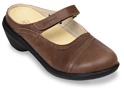 Spenco's new fall line includes more traditional, everyday styles for men and women.