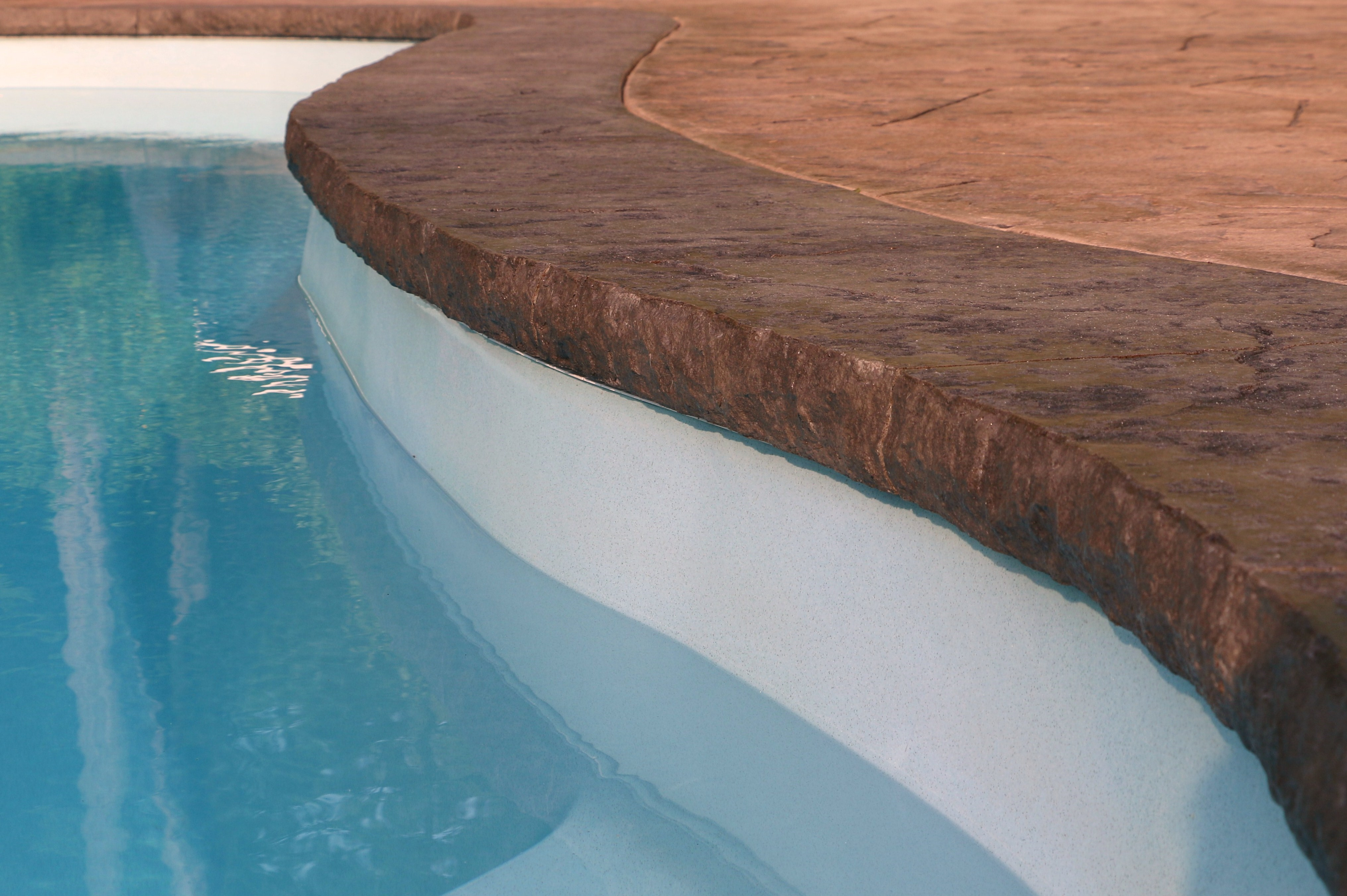 Contractor Source Receives Patented Pool Coping Forming