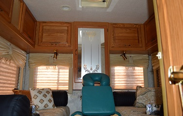 Hands On Mobile Massage And Spa On Wheels Comes To Long