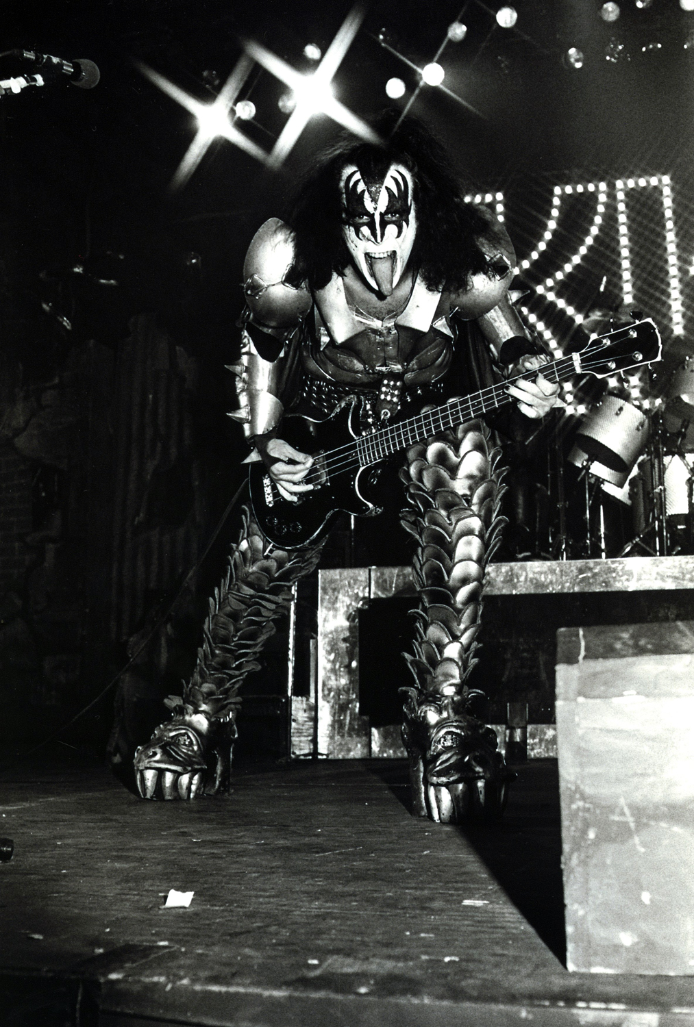 gene simmons essay The first line of gene simmons' autobiography, kiss and make-up, which comes out december 11, seems to confirm the rumor that his band's farewell.