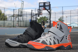 The Ektio Alexio, shown in Orange/Grey and Black/Grey