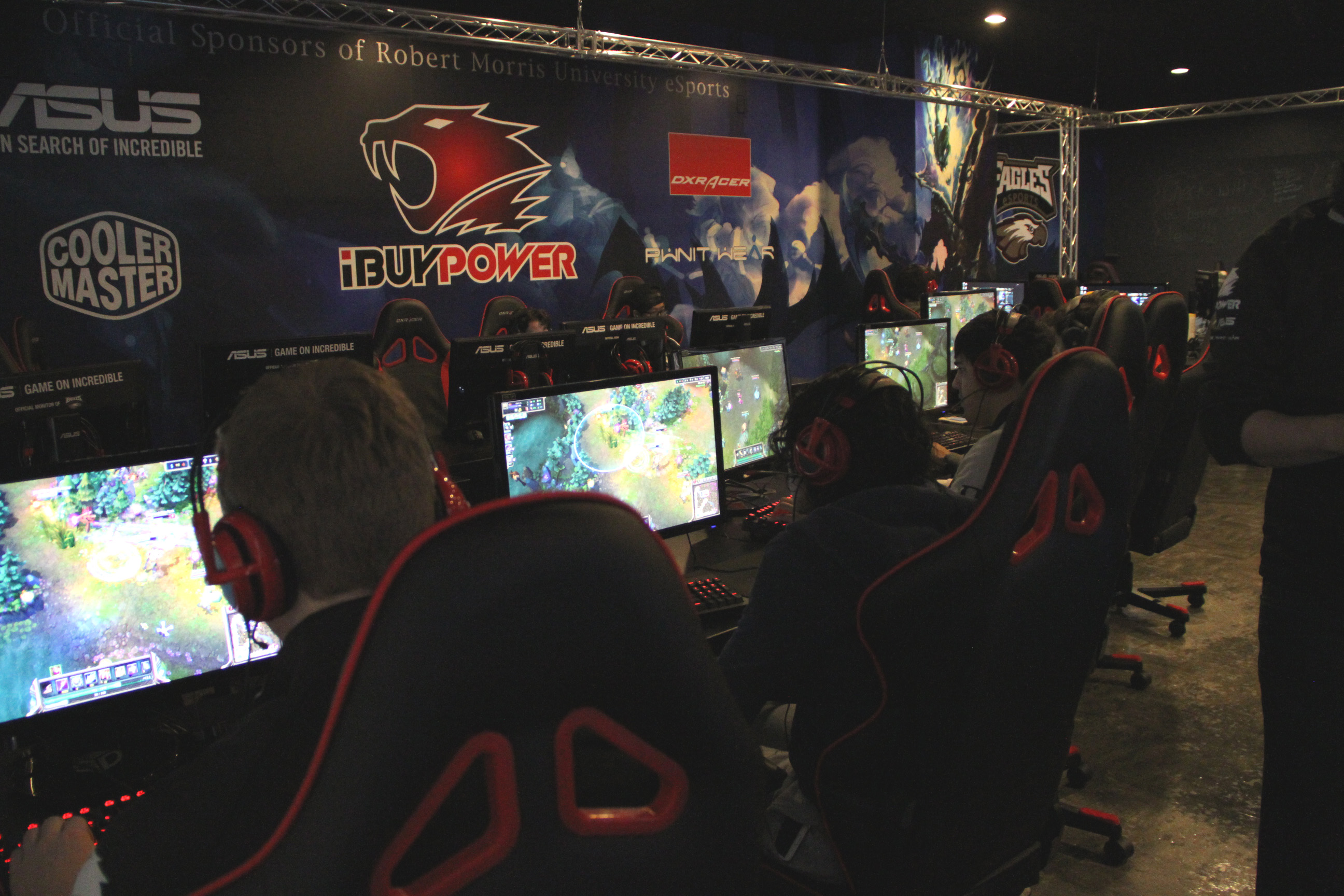 Robert Morris University >> Robert Morris University-Illinois Partners with iBuyPower To Build Top Class eSports Facility