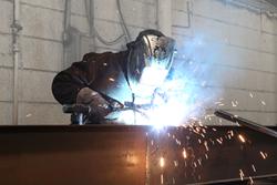 Clayton Homes' builder welding