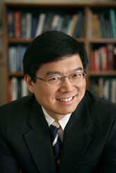 Lihong Wang, recipient of the 2015 Britton Chance Biomedical Optics Award from SPIE