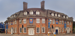Top rated hotels in luton