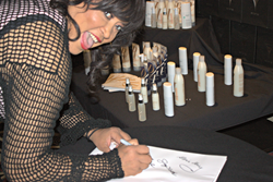 Jackee Harry Signing Autographs at the Belegenza Hollywood Show