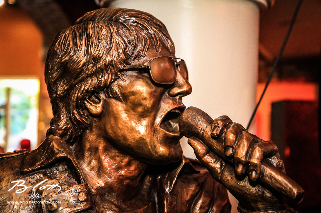 Jimi Jamison Sculpture Created For Hard Rock Cafe