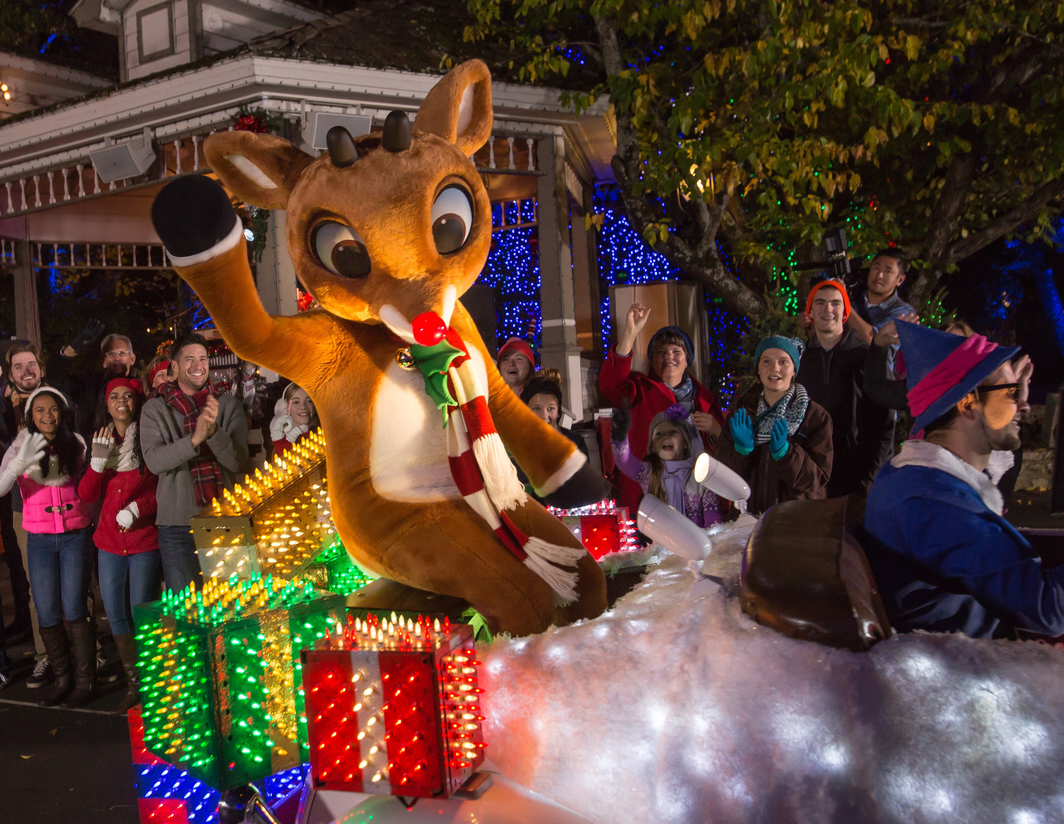 silver dollar citys an old time christmas presents new 1 million light parade starring rudolph - Silver Dollar City Christmas